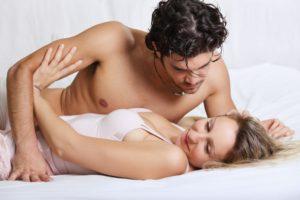 Мужчина избегает интимной близости