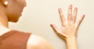 Дрожь мышц лица