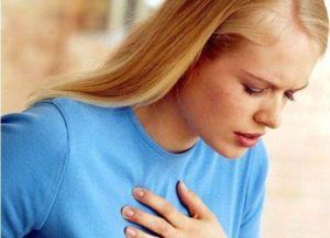 Попытки глубокого вздоха постоянно, дискомфорт в груди. Бывает нехватка воздуха