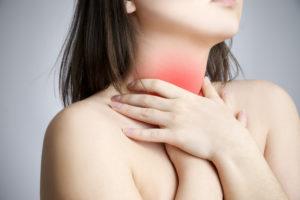 Боль в горле при зевании или просто напряжении