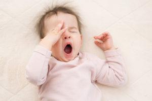 Ребенок часто вздыхает и зевает
