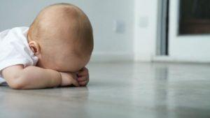 Ребенок отказывается лечь на спину