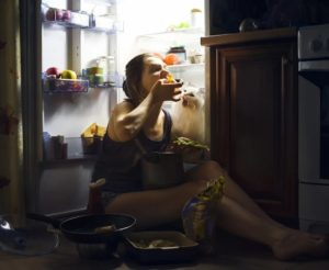 Часто просыпается ночью кушать