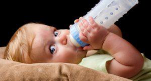 Как отучить ребенка от смеси?