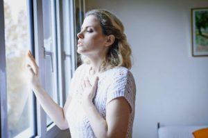 Частые глубокие вдохи, чувство не хватки воздуха