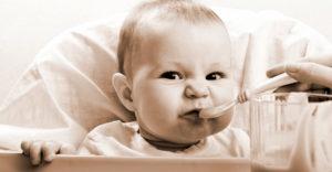 Новорожденный много ест
