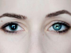 Разный размер глаз