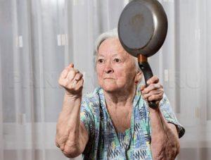 Галлюцинации у пожилого человека