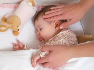 Ребёнок трет свои половые органы и сильно потеет