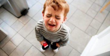 Ребенок писается во время истерики