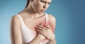Болит над грудью